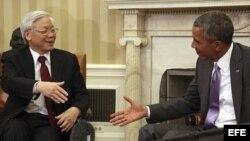 El presidente Obama, recibe al secretario general del Partido Comunista de Vietnam, Nguyen Phu Trong