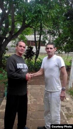 Mario Alberto Hernández (derecha), junto a José Díaz Silva (izq.)