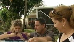 Llegan a Miami cuatro de los seis cubanos que quedaron varados en Bogotá