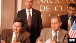 Pedro Álvarez en la época que firmaba acuerdos comerciales con empresarios estadounidenses, a nombre del régimen cubano.