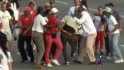 Disidente cubano protesta en medio de desfile del 1 de Mayo