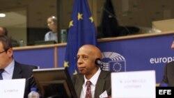 El opositor Guillermo Fariñas visitó recientemente Europa para pedir a los eurodiputados que se opongan al acuerdo que ultima Cuba y la UE.