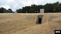 """Entrada a la cueva artificial que la organización Nature Conservancy ha construido a 110 kilómetros de Nashville, la capital de Tennessee, para luchar contra una epidemia conocida como el """"síndrome de la nariz blanca"""""""