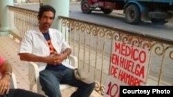 Jeovany Jiménez Vega, médico en huelga de hambre en Guanajay.