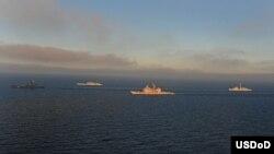 Las naves de las cuatro naciones participantes en FRUKUS 2012