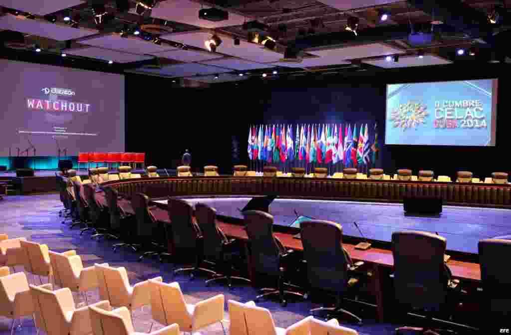 Salón principal de Pabexpo, sitio donde se celebrará la II Cumbre de la CELAC, en La Habana (Cuba).