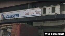 Oficina de reservaciones de vuelos nacionales, en La Habana.
