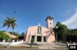 La iglesia de Santa Rita, ubicada en el residencial barrio de Miramar, en La Habana.