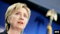 La ex senadora, ex secretaria de Estado y candidata a la presidencia por el partido demócrata, Hillary Clinton, en foto de archivo.