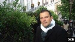 """El periodista, escritor, historiador y crítico de arte cubano William Navarrete, presenta """"San Isidoro de Holguín"""
