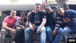 1800 Online con Williams Alain Cueto Martínez. Orgier Ocaña Díaz, Hector Leyva Calderón, Yadira Rivas Cordero y Maikol Chao Expósito.