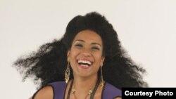 Aymeé Nuviola ha sido seleccionada para interpretar a Celia Cruz.