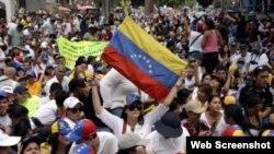 Opositores venezolanos protestan en las calles de Caracas. Archivo.