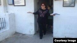 Jadija sale de la prisión en Bakú