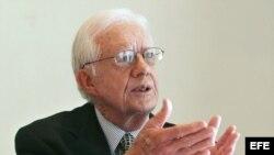 MAN03 - MANAGUA (NICARAGUA), 06/07/06.- El ex presidente de los Estados Unidos de Norteamérica, Jimmy Carter, habla durante una conferencia de prensa celebrada hoy, jueves 6 de julio, en Managua, Nicaragua. Carter participa al frente de una delegación Int