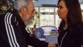 Diario oficial cubano Granma divulga foto de reunión entre Cristina Fernandez y Fidel Castro