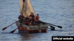 Los cubanos que son interceptados en el mar son devueltos a Cuba en virtud de los acuerdos migratorios entre La Habana y Washington.