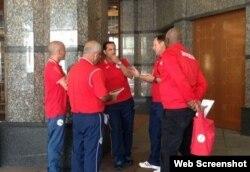 Integrantes del cuerpo técnico del equipo cubano de fútbol.