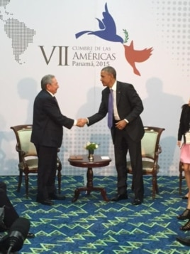 Reunión entre Obama y Raúl Castro Panamá.