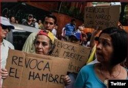 Miles de manifestantes se lanzaron a las calles de Caracas.