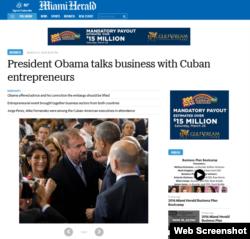The Miami Herald encabeza la nota con esta foto de Jorge Pérez conversando con Obama en La Habana.