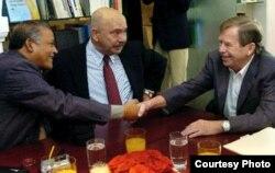 Havel con opositores cubanos.