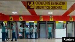 Punto de control de inmigración en el aeropuerto internacional de La Habana.