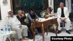 Rafael Saumell, Ana Olema, Rafael Piñeiro, Ileana Fuentes y Armando de Armas (i-d) en la clausura del Festival VISTA.