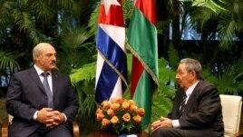 Lukashenko se reune con Raúl Castro