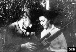 Fidel Castro y Celia Sánchez.