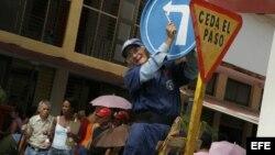 """Cubanos creen que """"unanimidad"""" en decisiones del gobierno ,es muestra de apatía"""