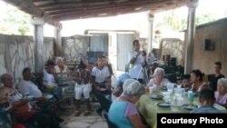 Amigos de la Rosa Blanca asisten a necesitados en Camagüey.