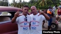 Iván Amaro Hidalgo (izq.) y Abel Bello, el 13 de agosto de 2016. Foto: Disneidis Ortiz.