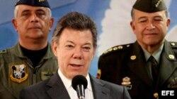 El presidente colombiano, Juan Manuel Santos, inició contactos con las FARC desde agosto de 2010, dijo el diario El Tiempo