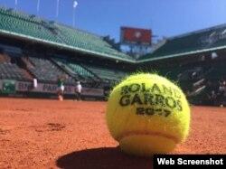 Pelota utilizada en el Roland Garros.