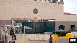 Entrada principal de la Embajada de Estados Unidos en Sana, Yemen. Archivo.
