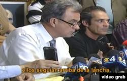 Ramón Saúl Sánchez del Movimiento Democracia (i), escucha el testimonio de Masiel González.