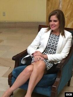 La vicepresidenta de Perú Mercedes Aároz