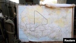 Un mapa de Mali en una base militar francesa en Timbuktu.