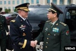 Delegación militar china en el Pentágono