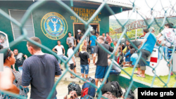 Cientos de cubanos retenidos en Puerto Obaldía.