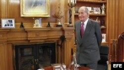 Rey Juan Carlos I recibe ministro exteriroes de los Emiratos Árabes