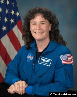 La astronauta cubanoamericana Serena Auñón, especialista en medicina aeroespacial (NASA).