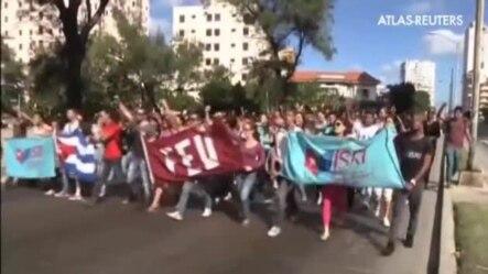 Celebraciones en las calles de La Habana.