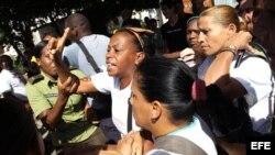Damas de Blanco son arrestadas en el Día Internacional de los Derechos Humanos.