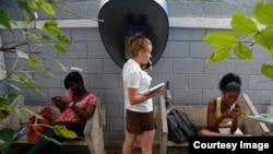 Cuba y las esperanzas en lo que viene de afuera. Foto: AP.