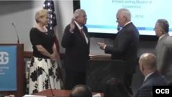 Tomás Regalado jura como nuevo director de la Oficina de Transmisiones a Cuba.