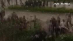 Un testigo graba a la policía apaleando a manifestantes al sur de China