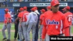 Peloteros cubanos en el torneo beisbolero de Rotterdam. Foto archivo.
