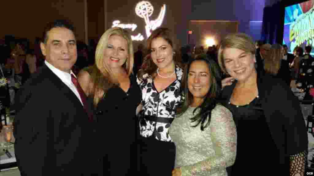 Emmy 2015 - José Valois, Vivan Martínez, Natalia Crujeiras, Isabel cuervo y Tatiana Riquelme.